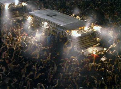 Cinéfilos con Z :: Blog de cine :: Las mejores películas de zombies :: Amanecer de los muertos
