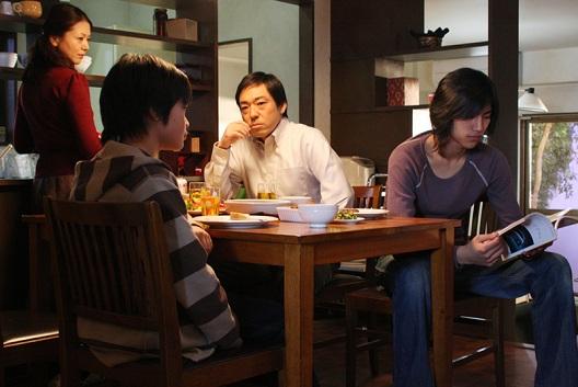 Cinéfilos con Z :: Blog de cine :: Recomendaciones :: Tokyo Sonata